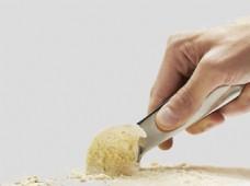 勺子挖冰淇淋免抠psd透明素材